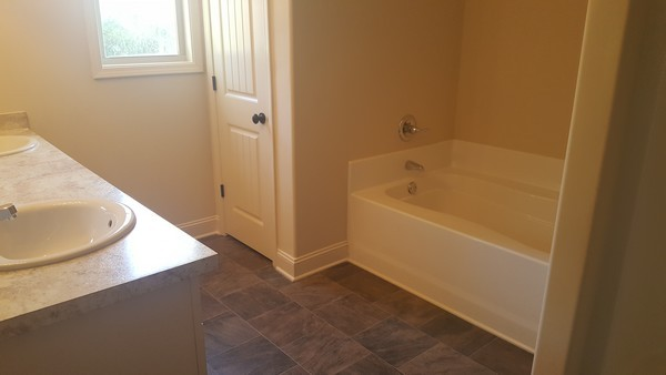 hannah-lot-12-hannahs-walk-master-bath